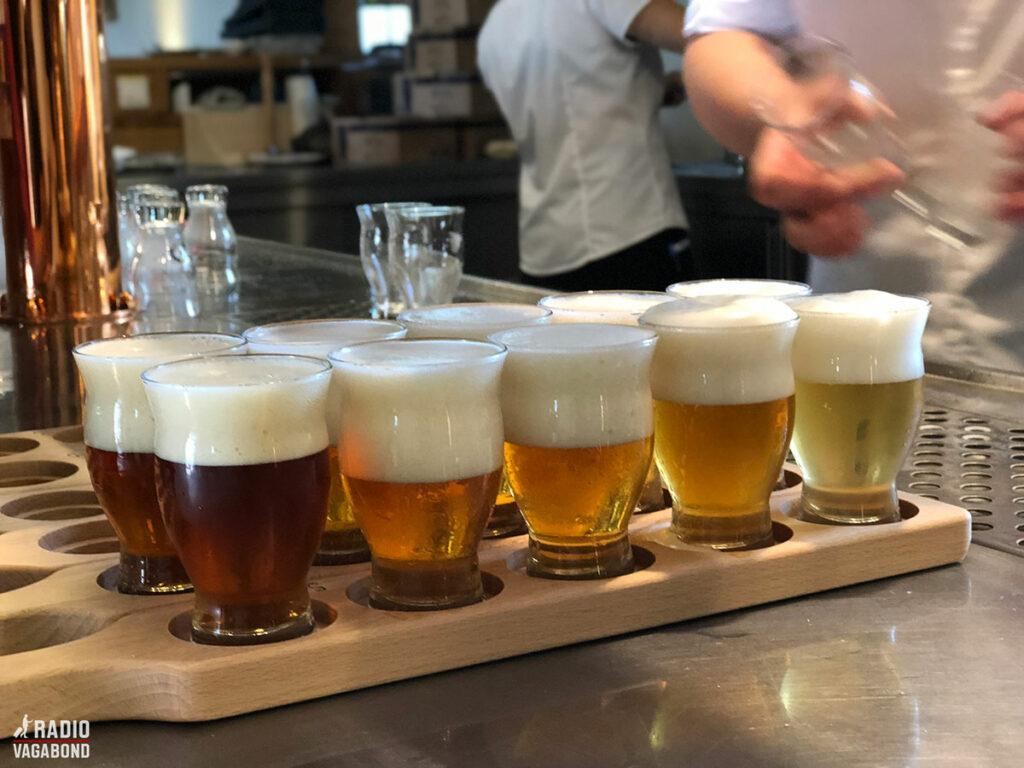 Vi fik lov til at smage på fem forskellige øl.