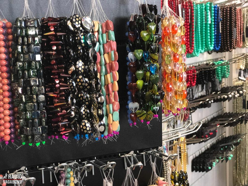 Palace Plus er den største smykkebutik i Centraleuropa – på 700 m2 og med mere en 4500 forskellige slags smykker.