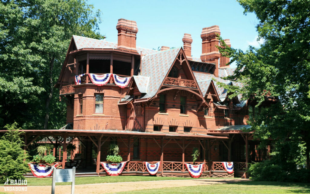 Mark Twains hus er på mere end 1000 m2, og har 25 værelser på tre etager.