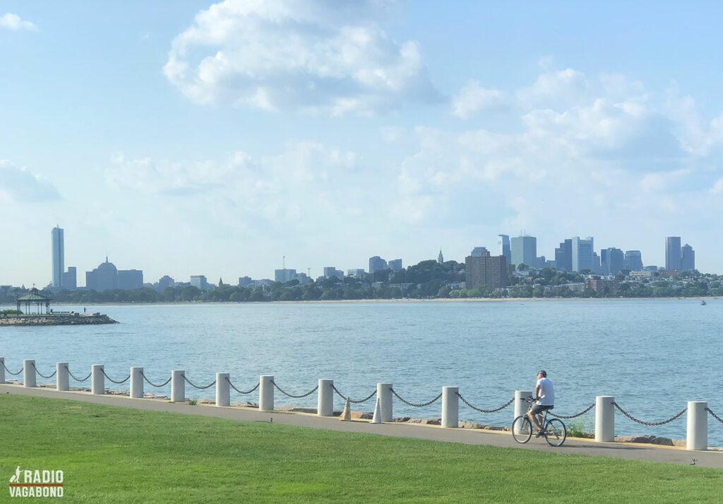 Museet er idyllisk placeret i en stor park med udsigt til havet.