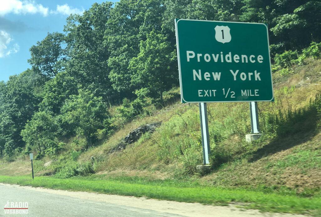 Lad os starte, hvor vi sluttede i den seneste episode i den mindste stat i USA, Rhode Island