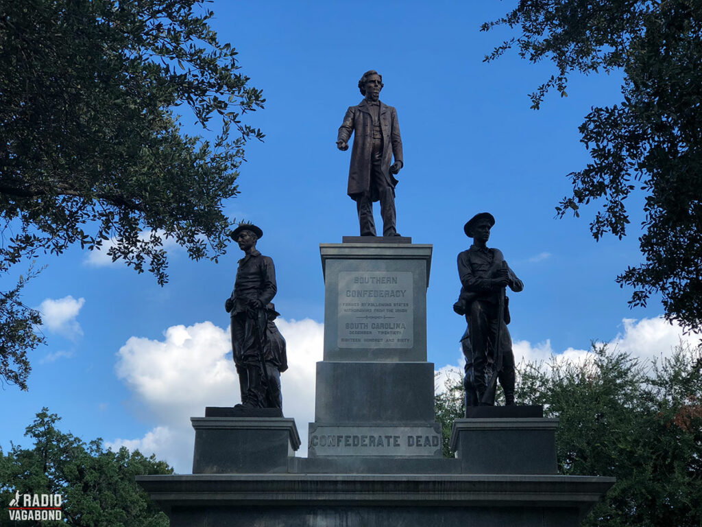"""The Confederate Soldiers Monument, som også er kendt som """"the Confederate Dead Monument"""" er opstillet udenfor the Texas State Capitol i Austin, Texas."""