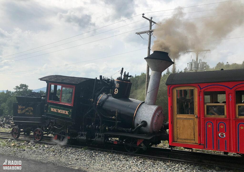 De har stadig et par 100-år-gamle ikoniske damplokomotiver.