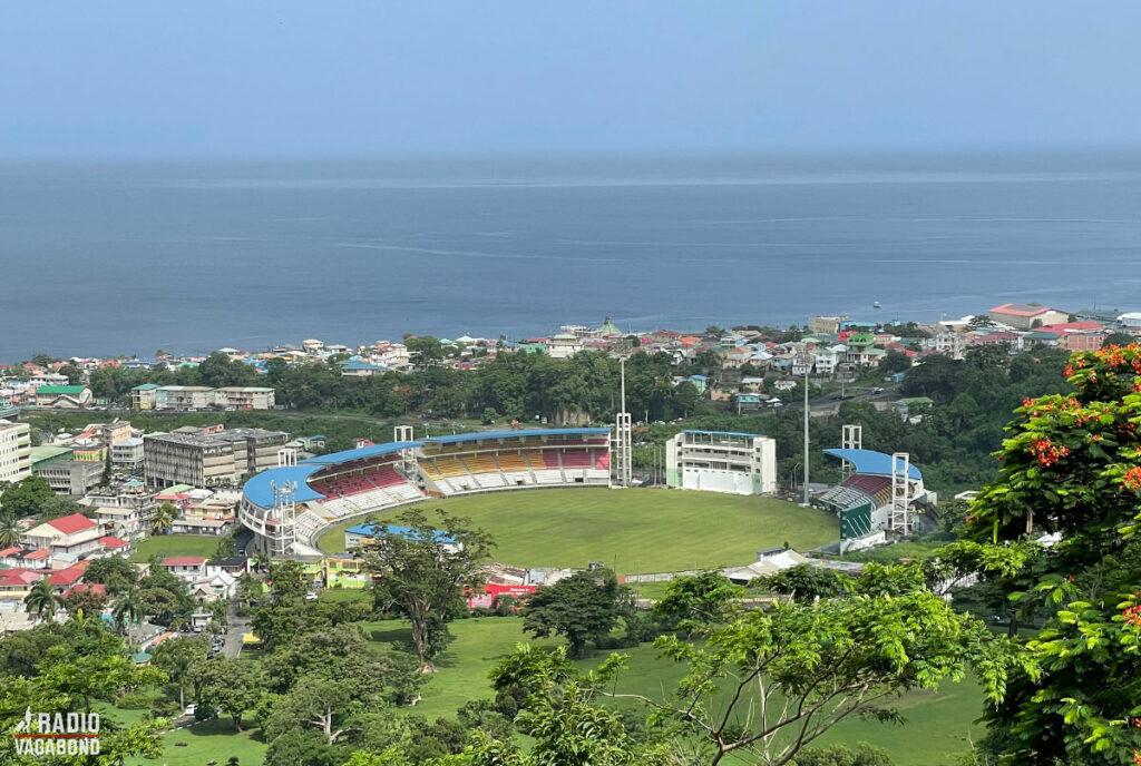 """Kina betalte for det flotte nationalstadion – som """"en gave til det dominicanske folk""""."""