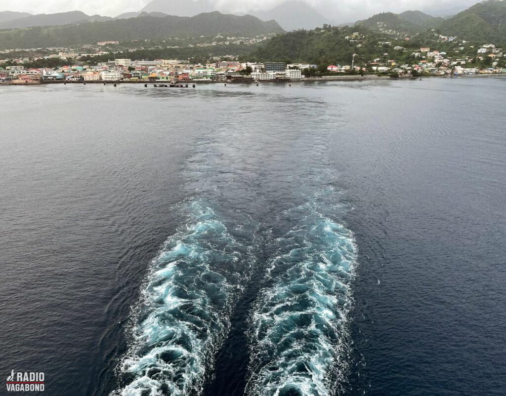 Sådan ser det ud, da jeg forlader Dominica og hovedstaden Roseau