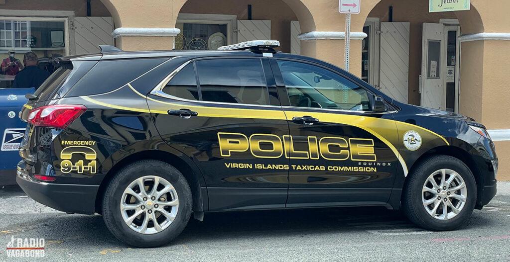 Betyder skiltet på bilen, at de også kører taxa?