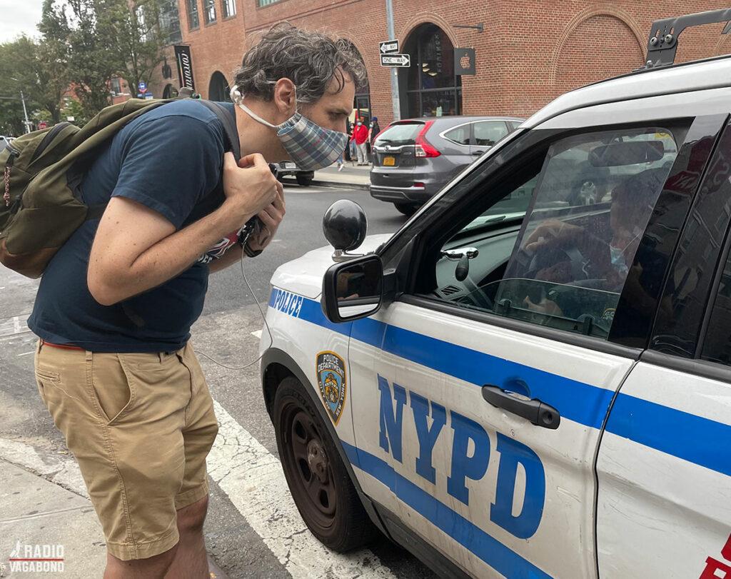 Scott forsøgte at få hjælp fra politiet med at finde sin bil.